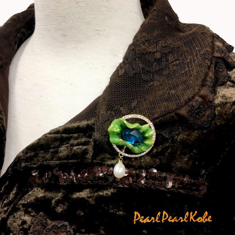緑石・淡水パールブローチ