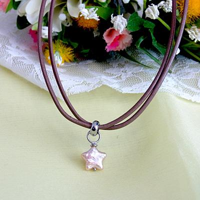 星の真珠 革紐ネックレス